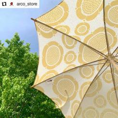#Repost @arco_store • • • • • • 【arco store osaka】  kuoviから日傘が発売されました!  ARABIAでも有名なビルガー・カイピアイネンの アートデザインでオーガニックの上質な生地を 使用した日傘になります。  防水とUVの加工は施してなく 生地の持つ天然の素材を 活かすことによる 美しさと心地よさを大切にしました。  自然に溶け込みながら 天然素材の清涼感を 感じていただけたらと思います!  こちらのkuoviの傘は 「麻(リネン)/ 綿(コットン)」の 二種類で作られています。  ・kuovi Orchard 日傘(リネン)  ¥18,000+tax  #arcostore #アルコストア #ルクアイーレ #大阪 #梅田 #kuovi #finland #北欧 #北欧デザイン #日傘 #傘 #birgerkaipiainen #sunday #handmade #craftmanship #parasol