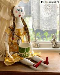 #Repost @sakura873 • • • • • • シュールなお顔のお人形作りました😆 身長があって、1歳児くらいはありそう😂 布に印刷されていて、カットして作ります✂️ * #kuovi #annamolla #marttamolla #birgerkaipiainen #sunnuntai #scandian #design #retro #60s #clothdoll #doll #diy #crafts #sewing #customerphoto