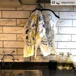 #Repost @espumoso • • • • • • #キッチン  今朝のキッチンは先日届いた#ふきん 💕 可愛すぎる。 普段はシンクの方にふきんをかけるけど飾りたくなる可愛さ。 リネンの手触りも好き✨  常に何かやってるキッチンはなかなか片付けられない💦 今日こそしっかりリセットしよう!  #kuovi#オーチャードキッチンタオル #パラディッシ#2色買い#ふきん#リネン#パナソニックキッチン#lクラスキッチン #名古屋モザイク#ビストロイタリア#タイル#トリプルガスコンロ #トリプルガス #トリプルワイド #マイホーム記録 #注文住宅新築 #birgerkaipiainen #scandian #design #lifestyle  #textile #linen #home #kitchen #towel #orchard #customerphoto